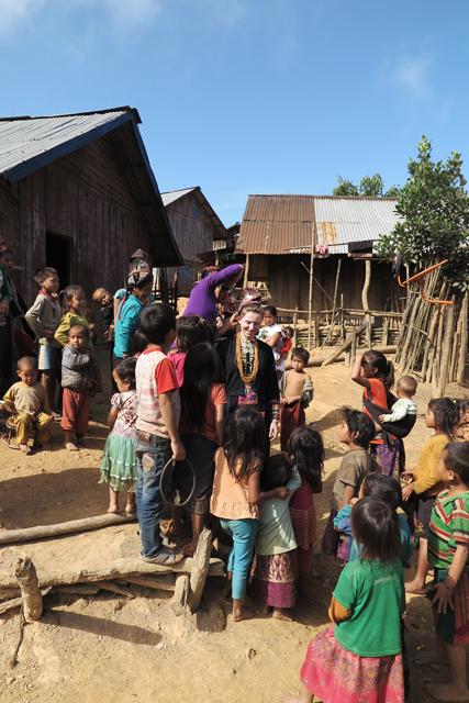 Traditionelles Gewand der ethnische Minderheit Akha, Laos