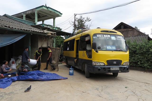Bus von Dien Bien Phu nach Muang Khua