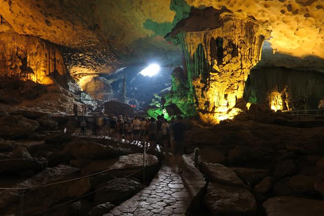 Höhle Hang Me Cung, Halong Bucht