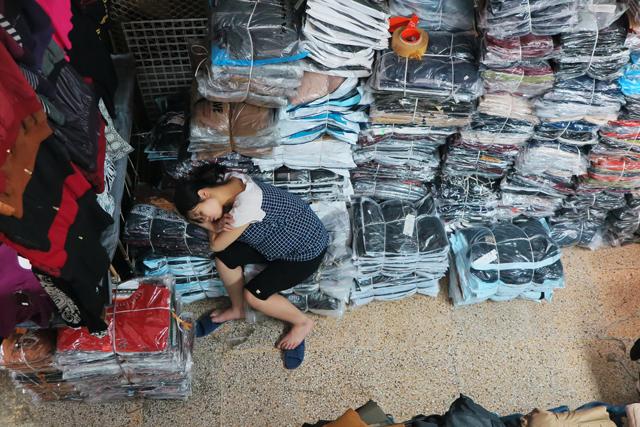 Siesta en las calles de Hanoi