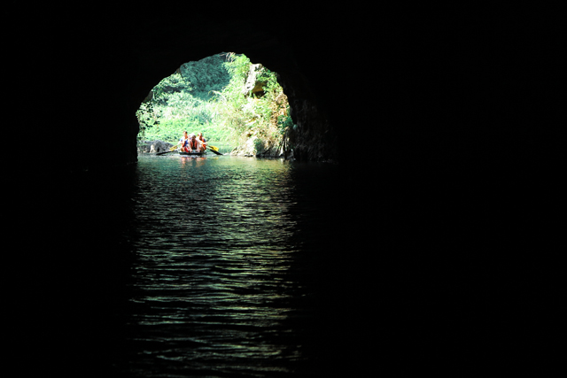 Trang An, cuevas