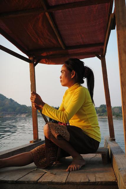 Paseo en barco desde el sur de Don Khong para ver los delfines Irawadi. Si Phan Don, Laos.