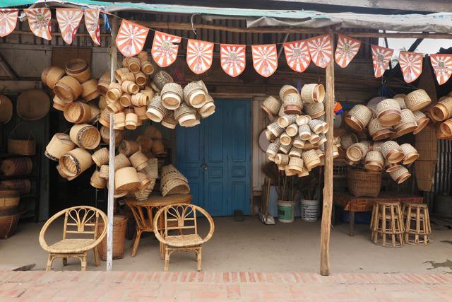 Tienda de productos de bambú. Luang Prabang, Laos