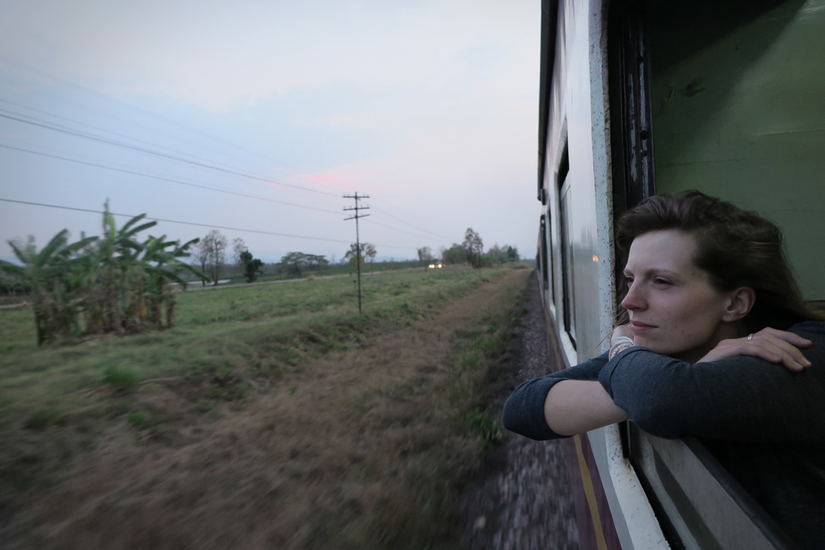 Nachdenklich im Zug von Chiang Mai nach Bangkok